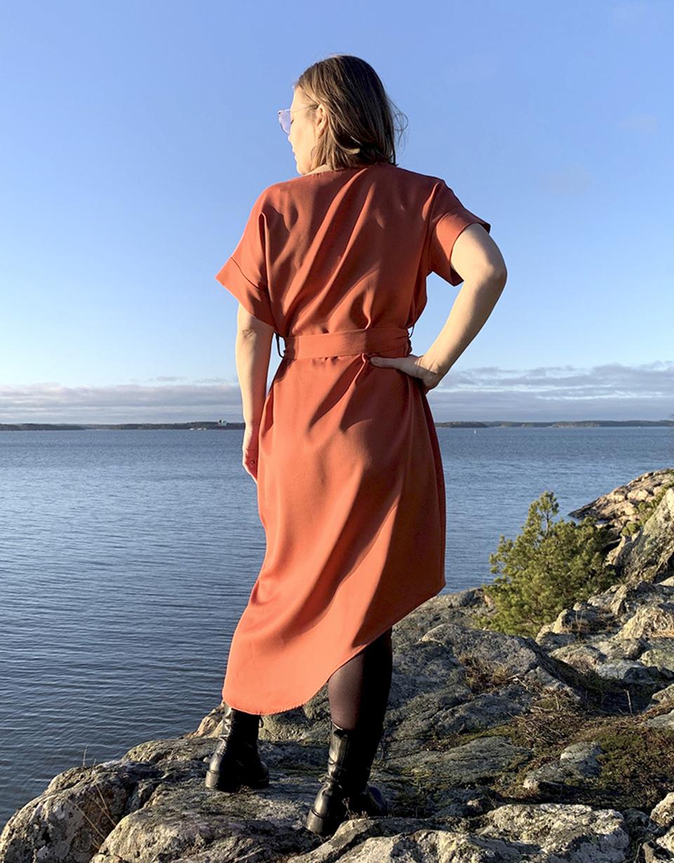 Vuurran: tiilenpunainen Vellamo-mekko