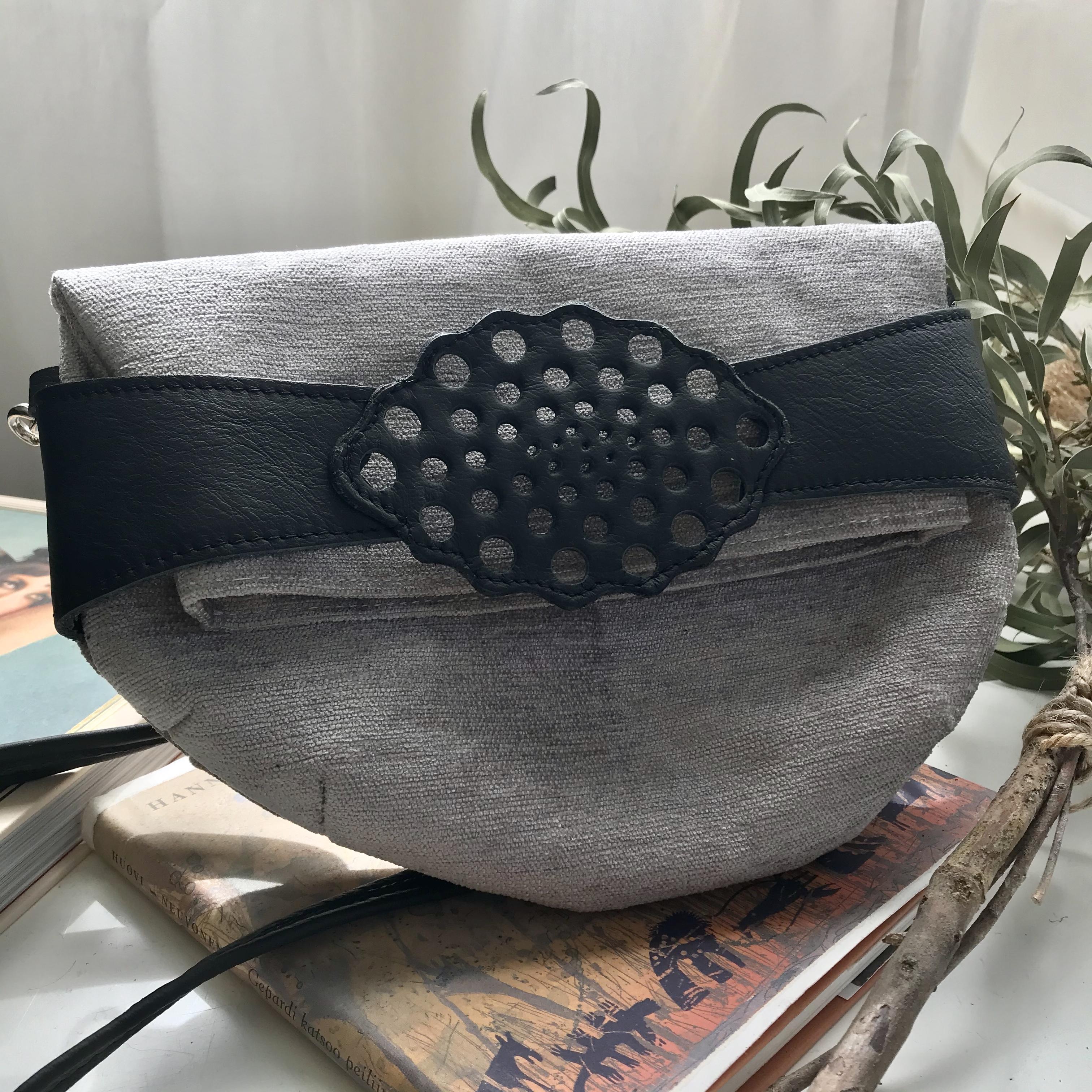 Humbugi: Nadja-taittolaukku, vaaleanharmaa