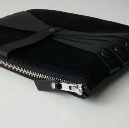 Salmiak Studio: Leather Web Detail -olkalaukku