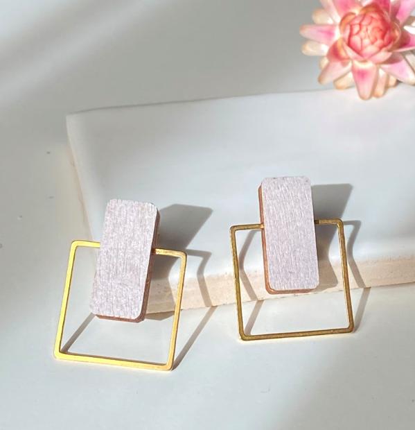 ButoniDesign: Neliö-korvakorut, lila-kulta