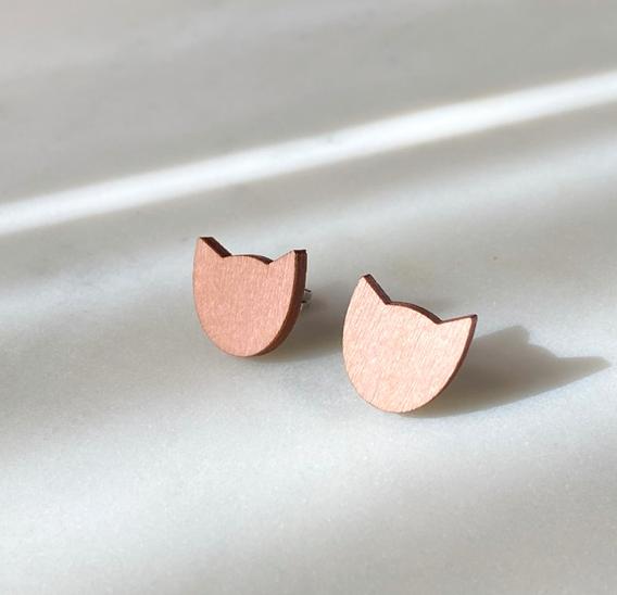 ButoniDesign: vaaleanpunaiset Kissa-korvakorut
