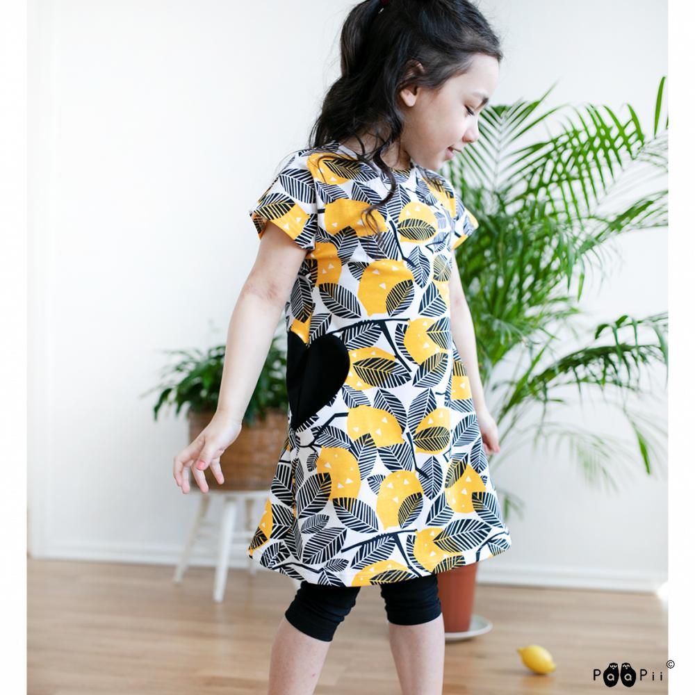 PaaPii Design: Hertta-mekko Sitruuna-kuosilla, 86-122 cm