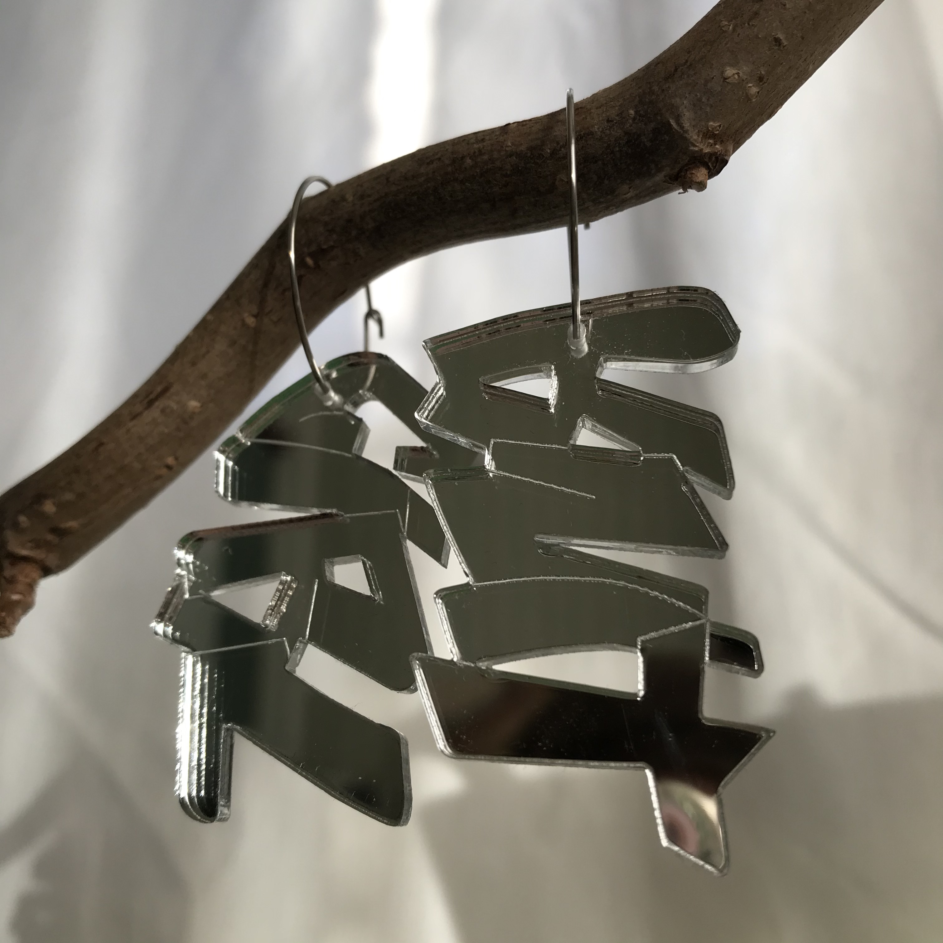 Ilone: Knit Girl -sanakorvakorut