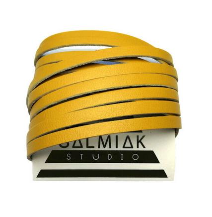 Salmiak Studio: sinapinkeltainen Nida-ranneke