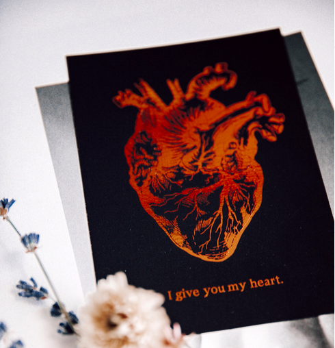Ainoa Graphic Design: I give you my heart -postikortti
