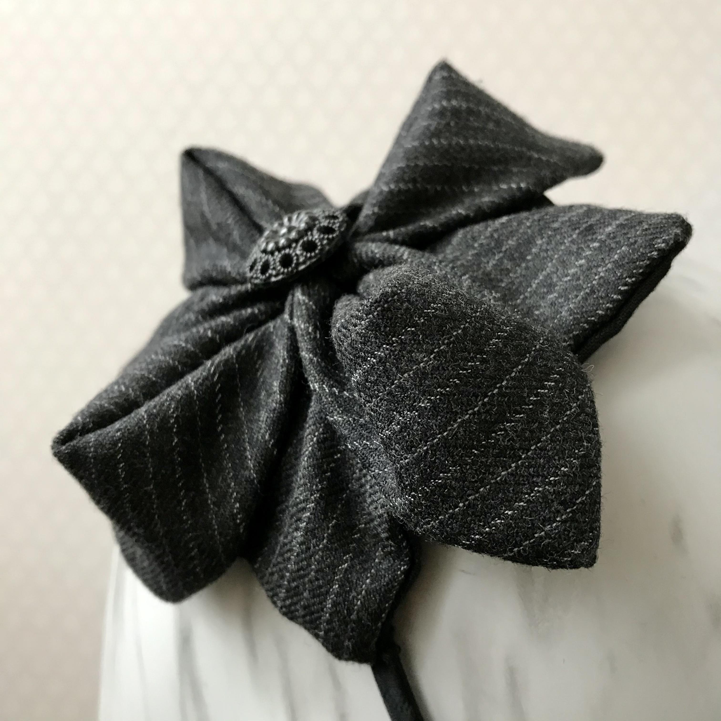 Tyra Therman: Origami-panta, tummanharmaa liituraita, ALE