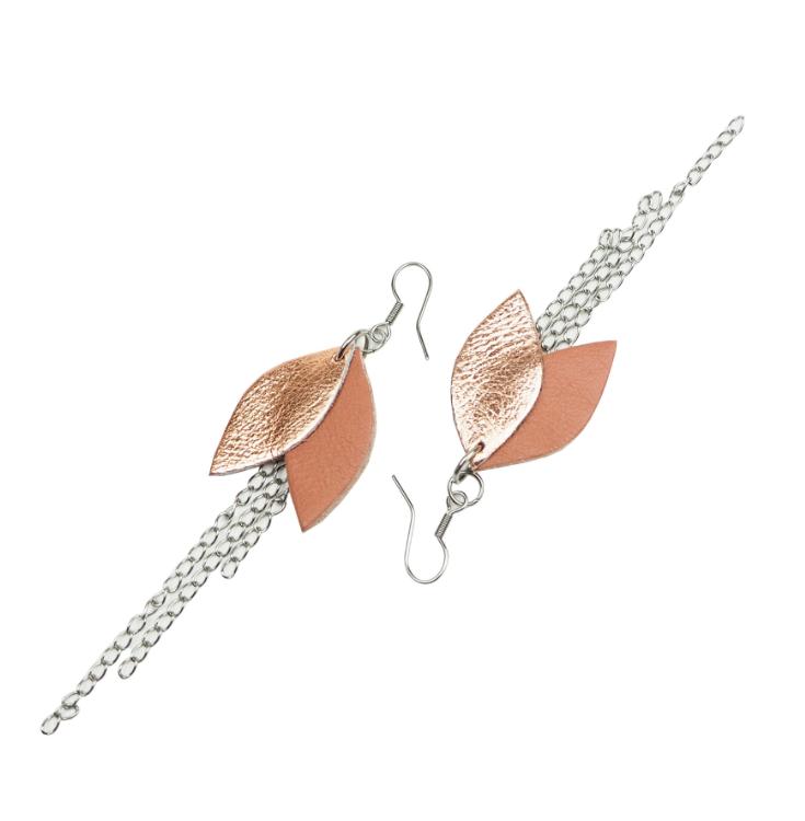 Cobblerina: Lehdykkä-korvakorut ketjulla, väriyhdistelmä ruoste-ruusukulta