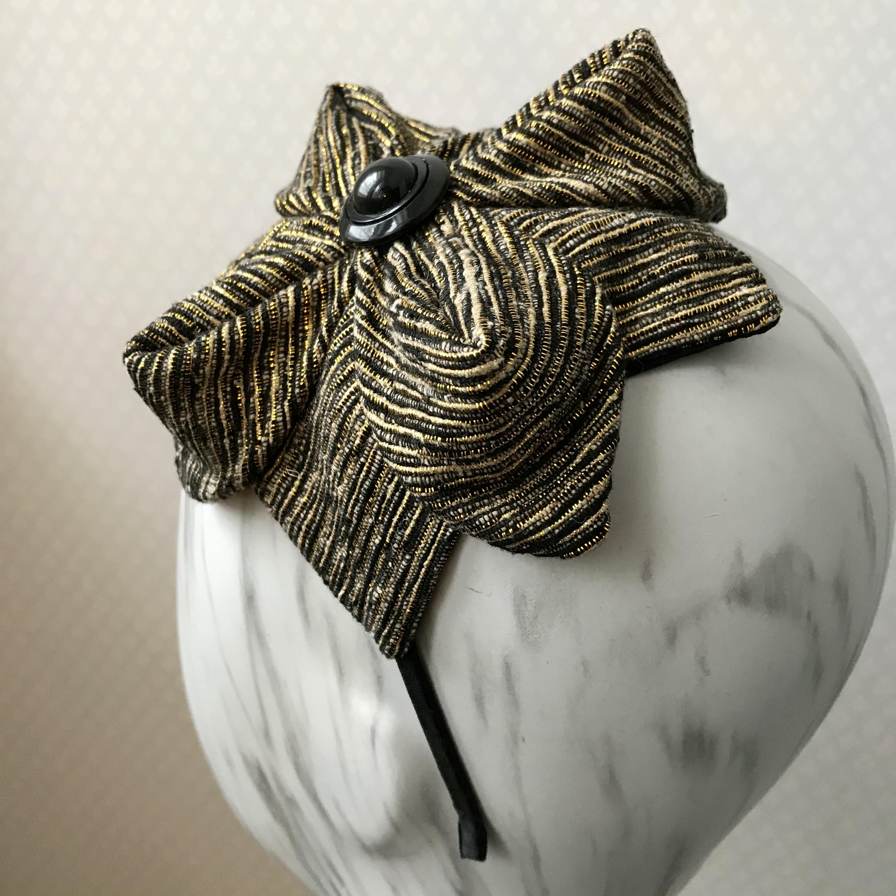 Tyra Therman: Origami-panta, kulta-musta, ALE