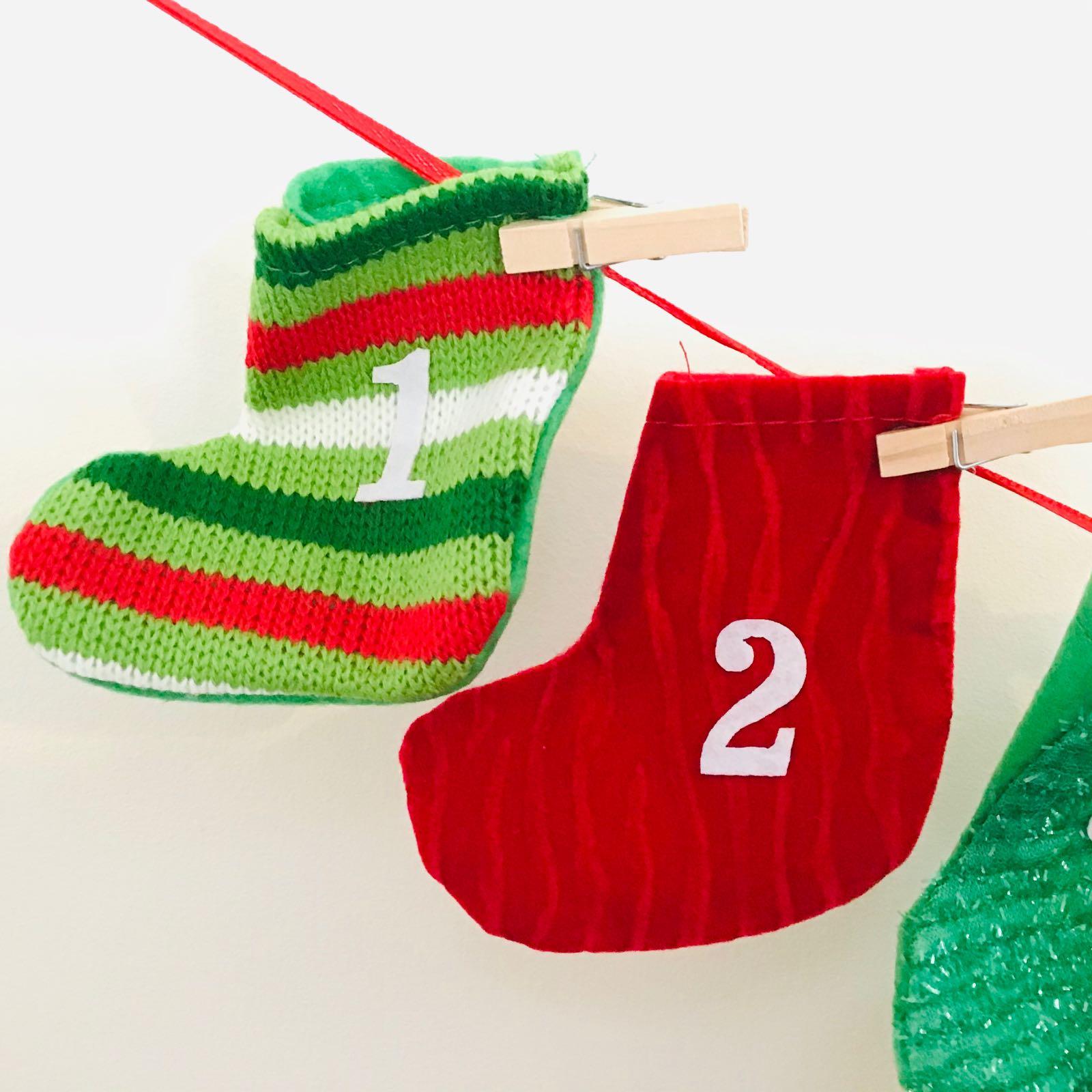 Stockings Garland Advent Countdown