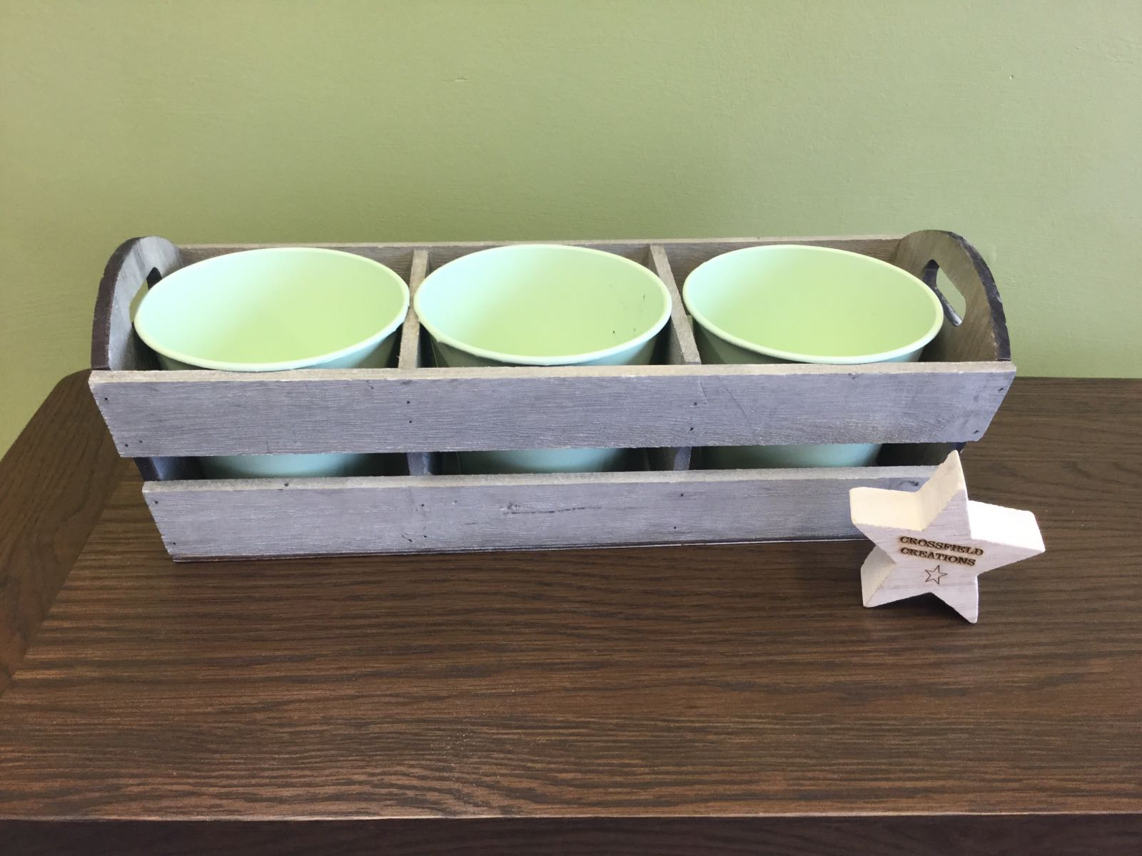 Wooden planter (can be personalised)