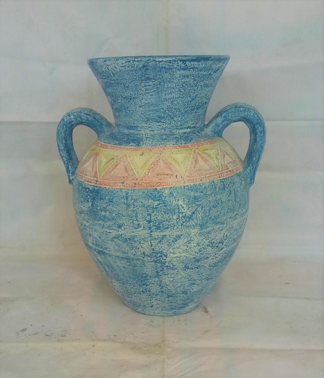 017 vase e