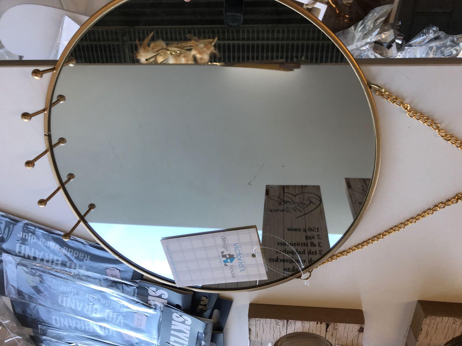 Rund Spegel med smyckehängare