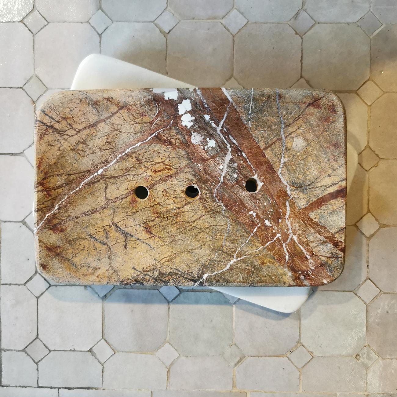 Tvålkopp i brun-beige marmor