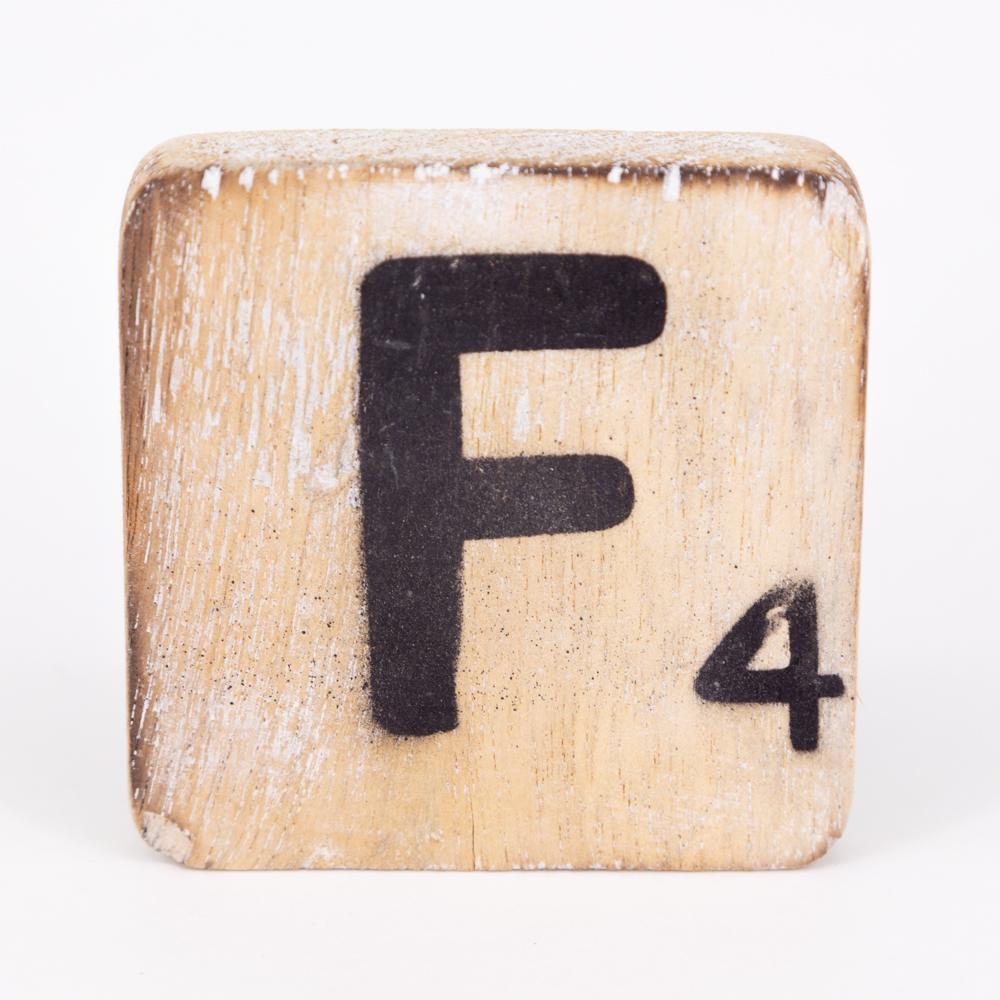 Holzbuchstabe - F - im Scrabble-Style