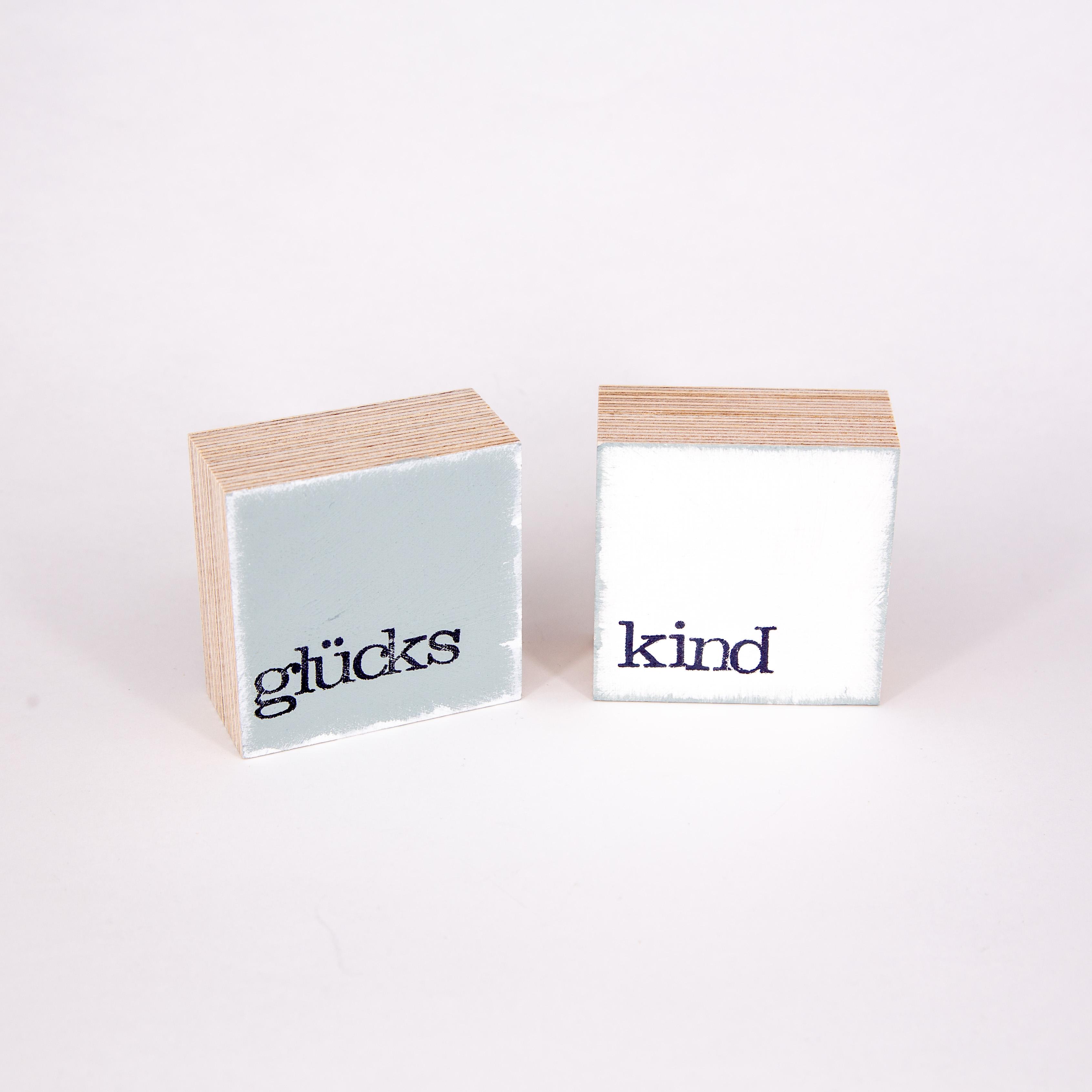 "Mini Textplatte - ""kind"" - iopla"