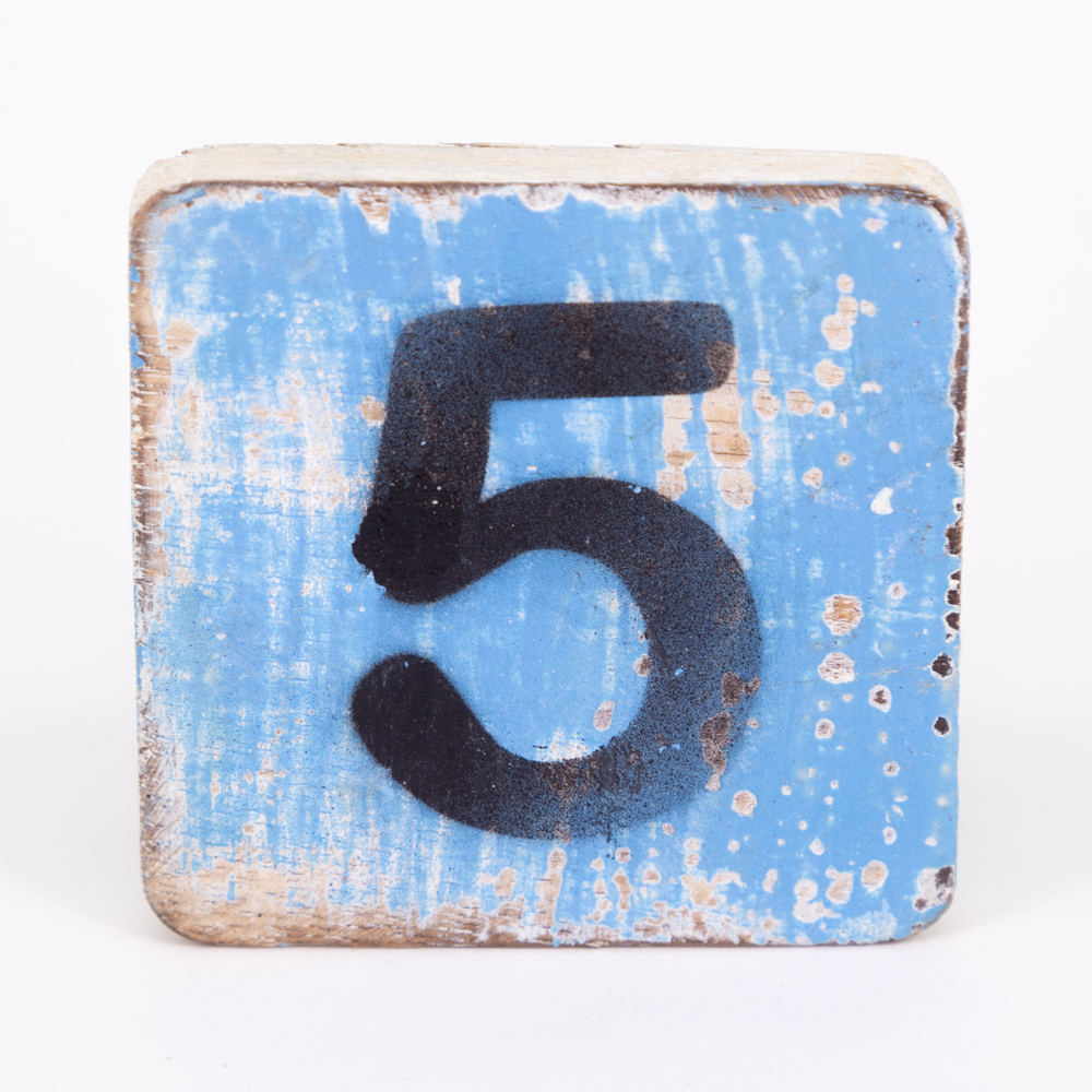 Holzzahl - 5 - im Scrabble-Style
