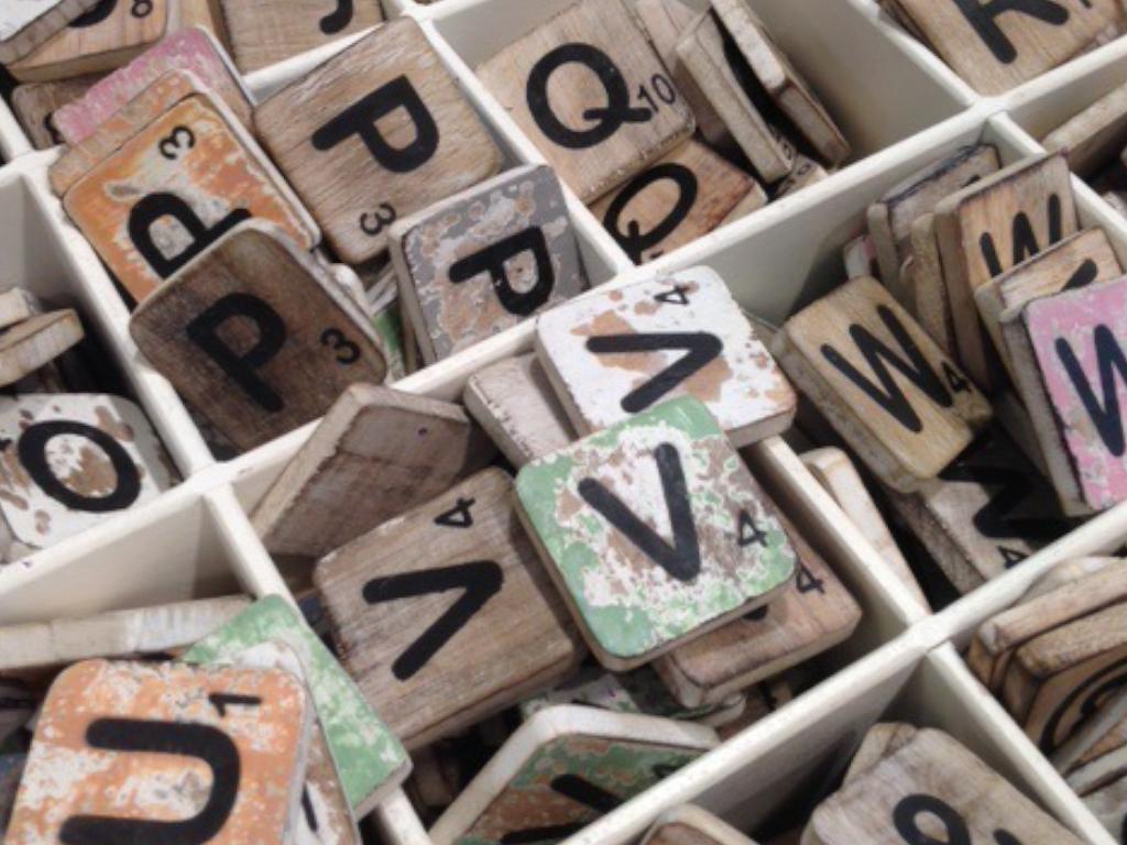 Holzbuchstabe - M - im Scrabble-Style