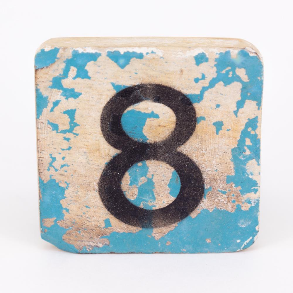 Holzzahl - 8 - im Scrabble-Style