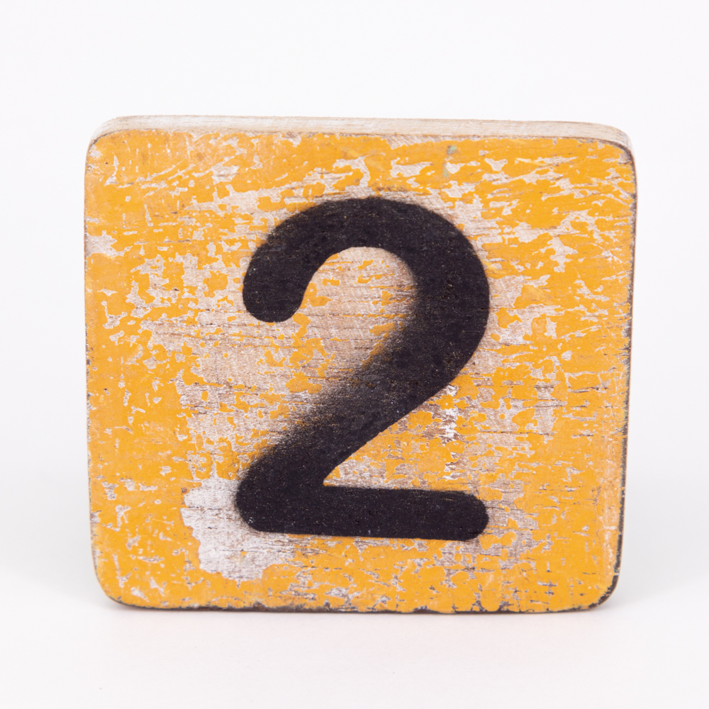Holzzahl - 2 - im Scrabble-Style