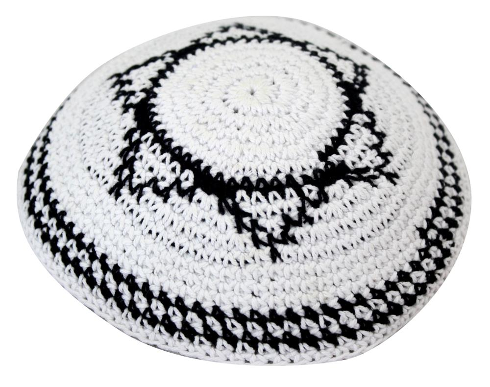 Kippa, knitted, white, Magen David