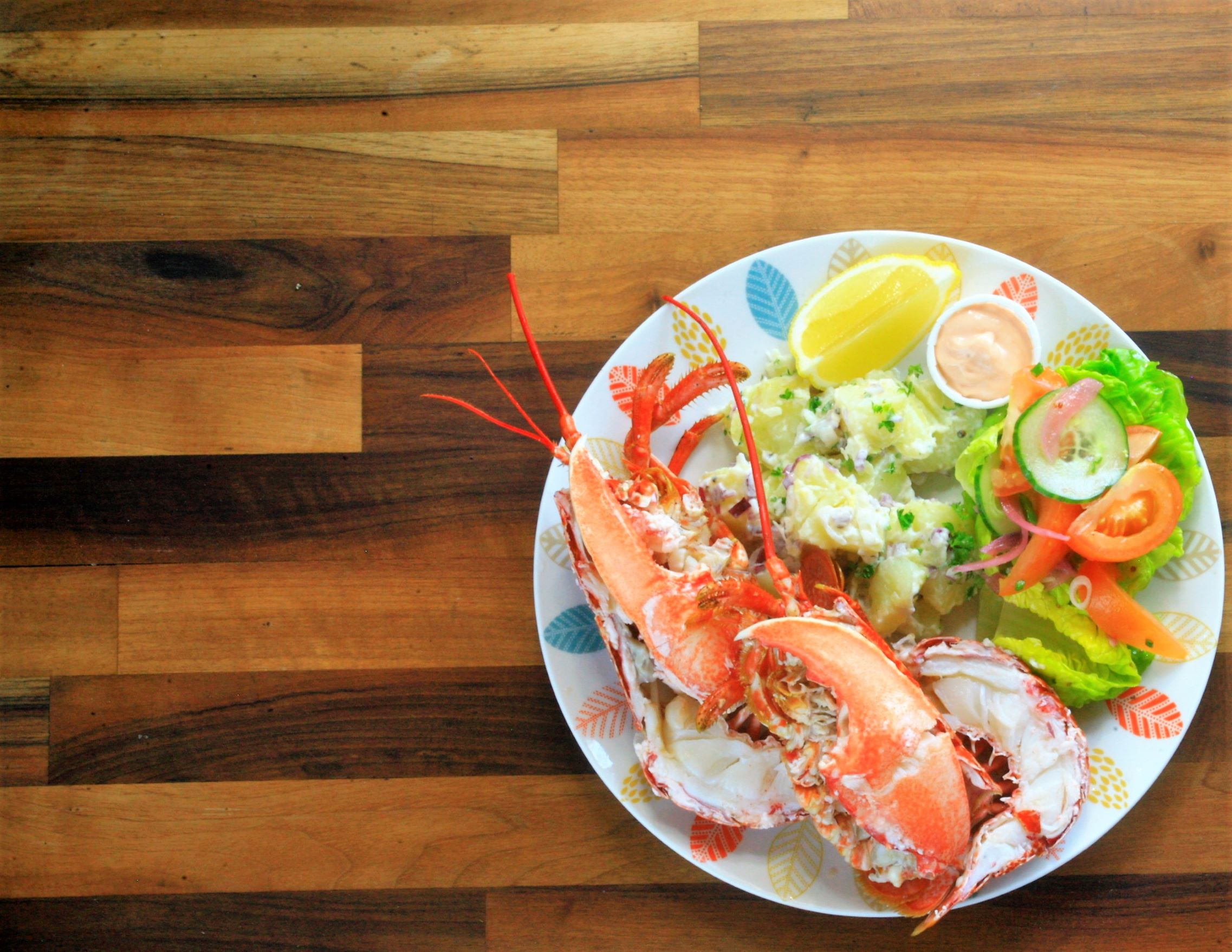 Whole Native Lobster Potato Salad, garden salad and lemon. (48 hrs)