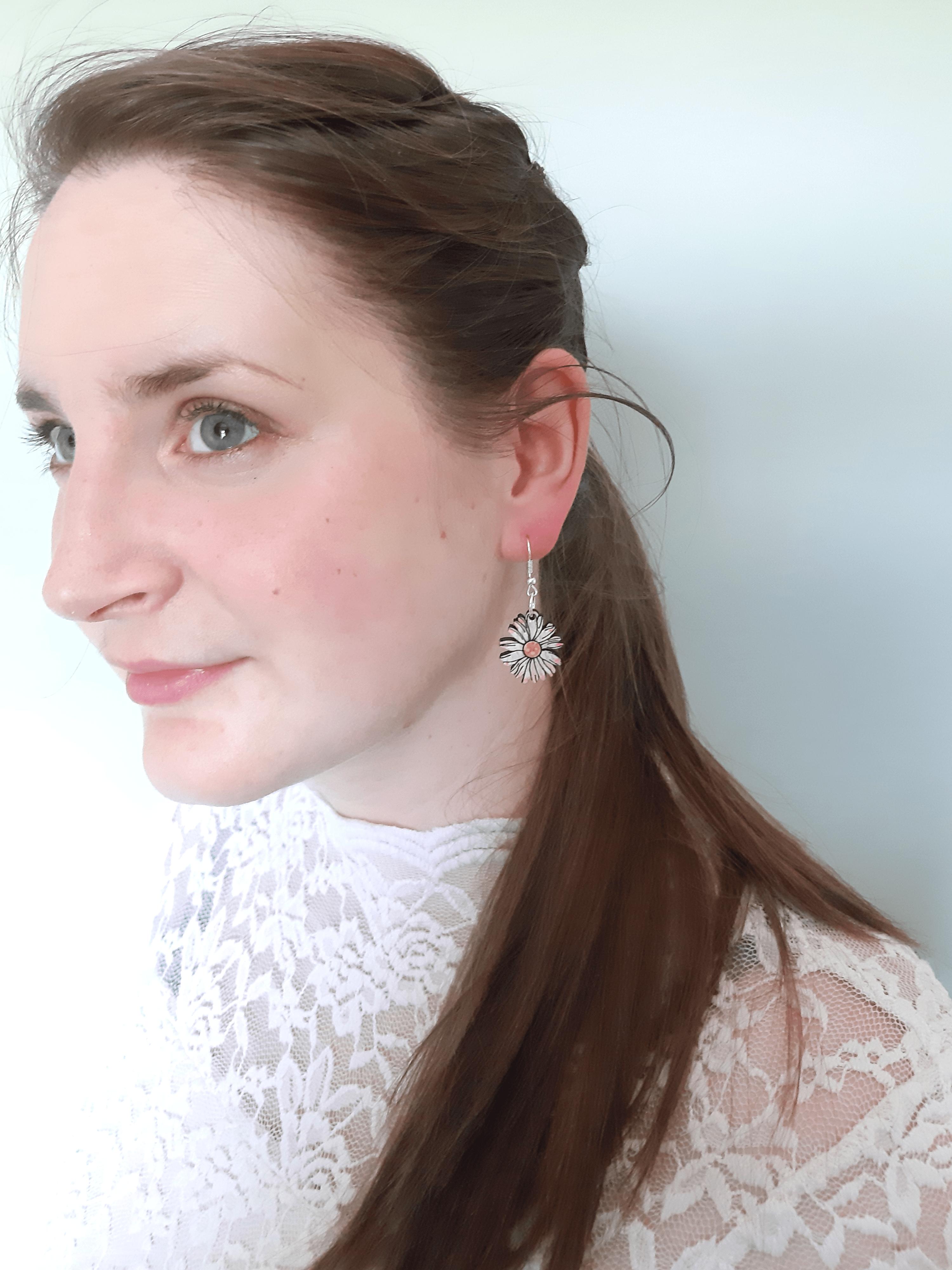 Daisy - Drop Earrings