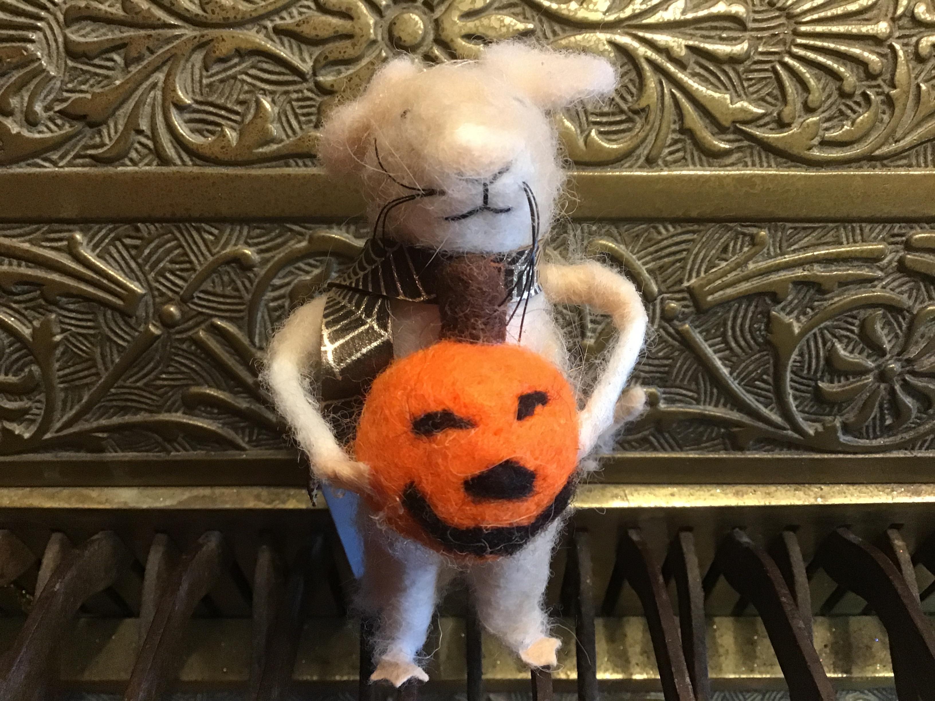 Halloween Mouse & Pumpkin