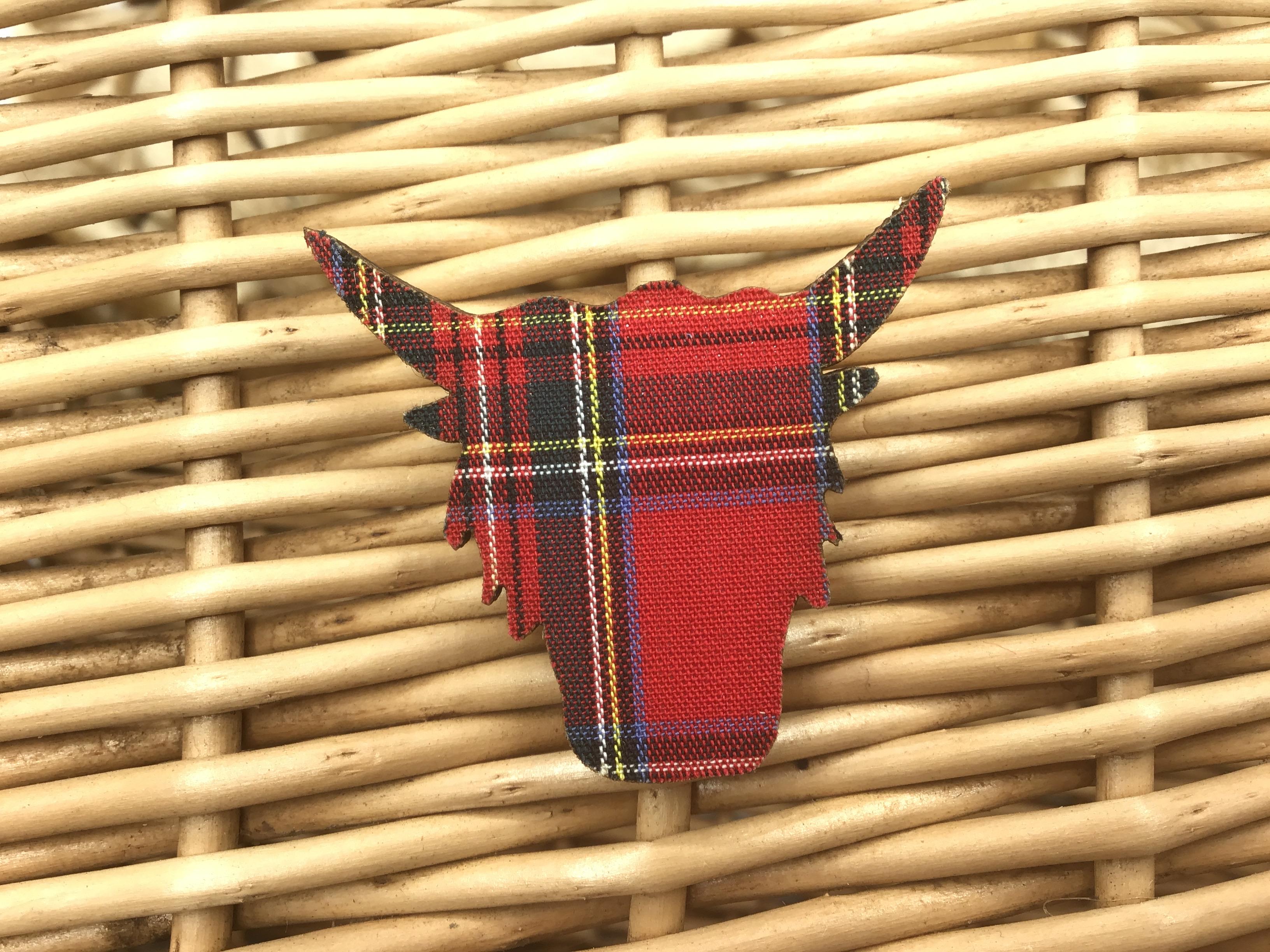 Brooch Highland Cow - Royal Stewart
