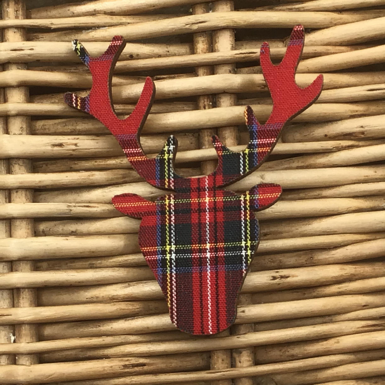 Brooch Stag Head - Royal Stewart