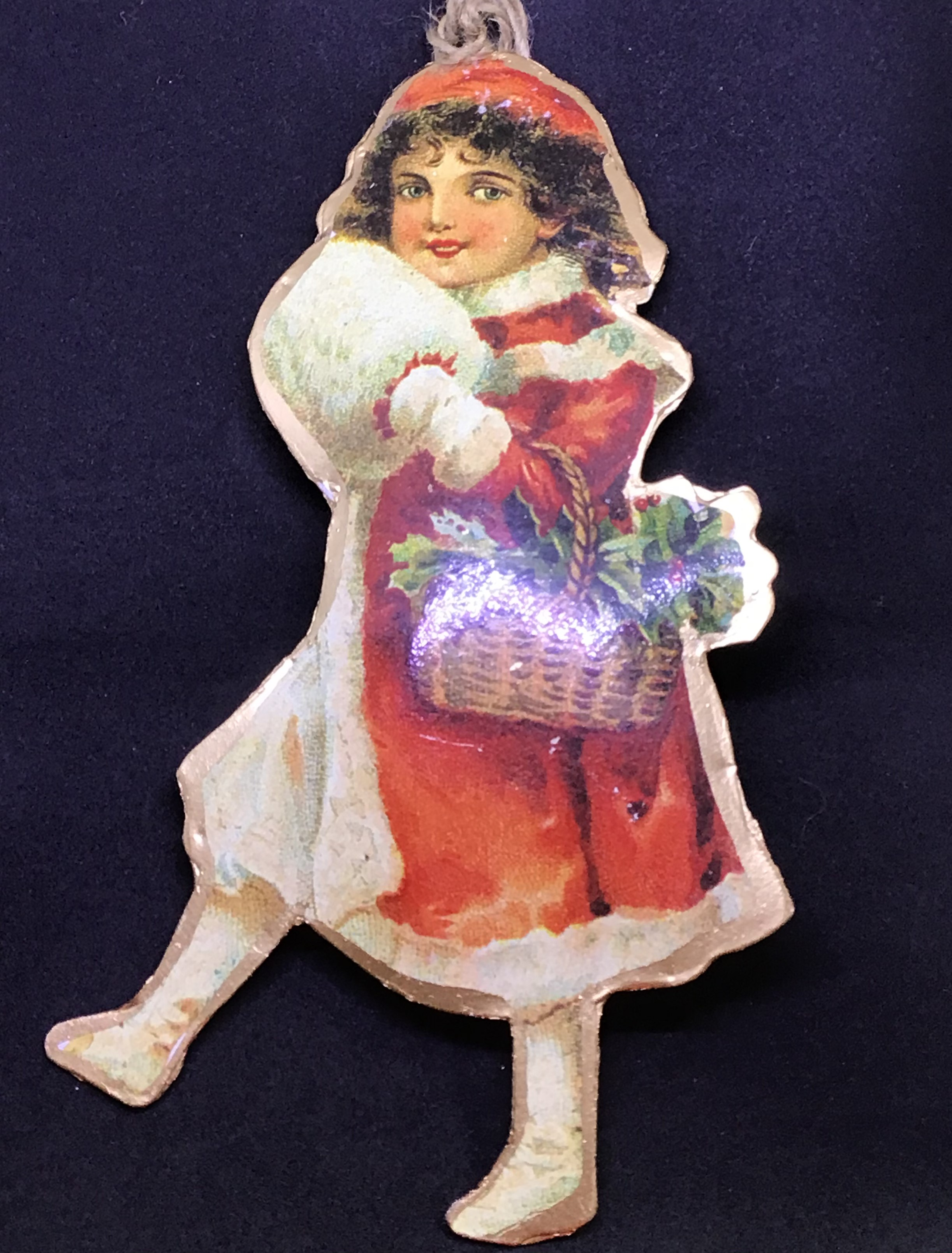 Christmas in a Box – Traditional Tinplate