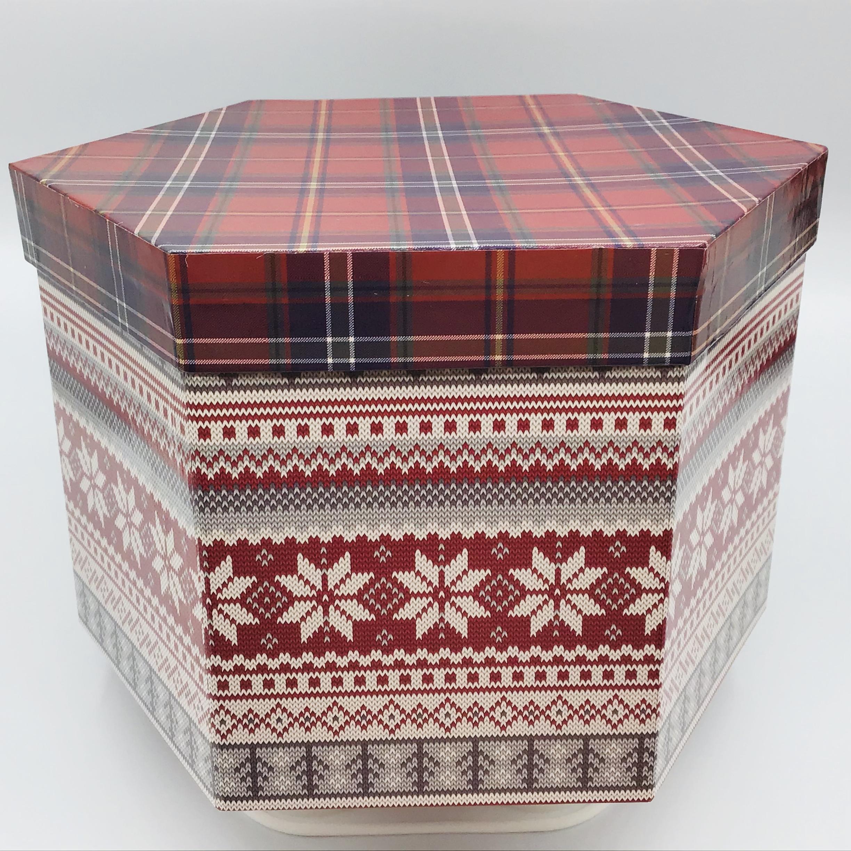 Stag & Plaid Hat Box Has