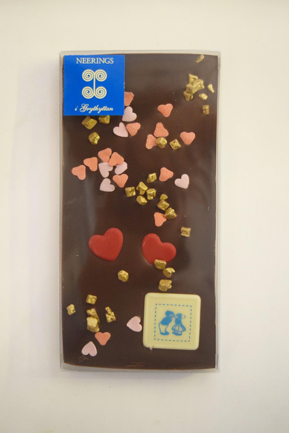 Chokladkaka med chokladdekoration