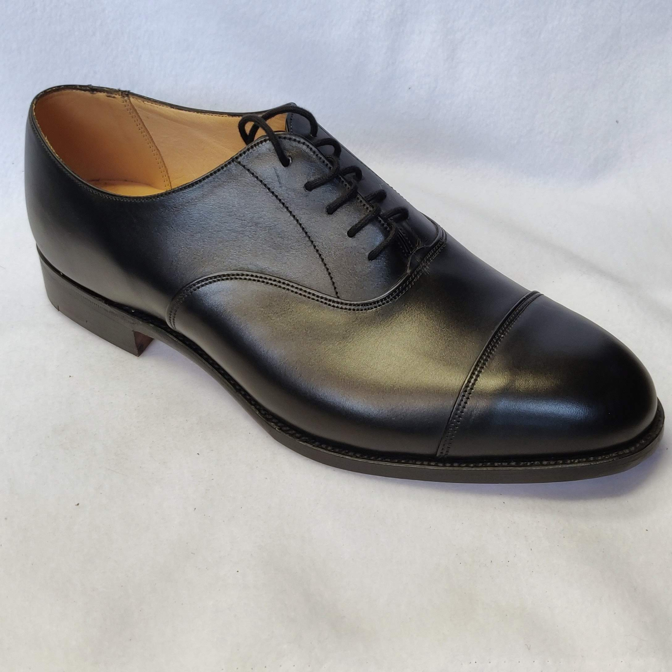 Gents Trickers Henley Black Lace Shoes