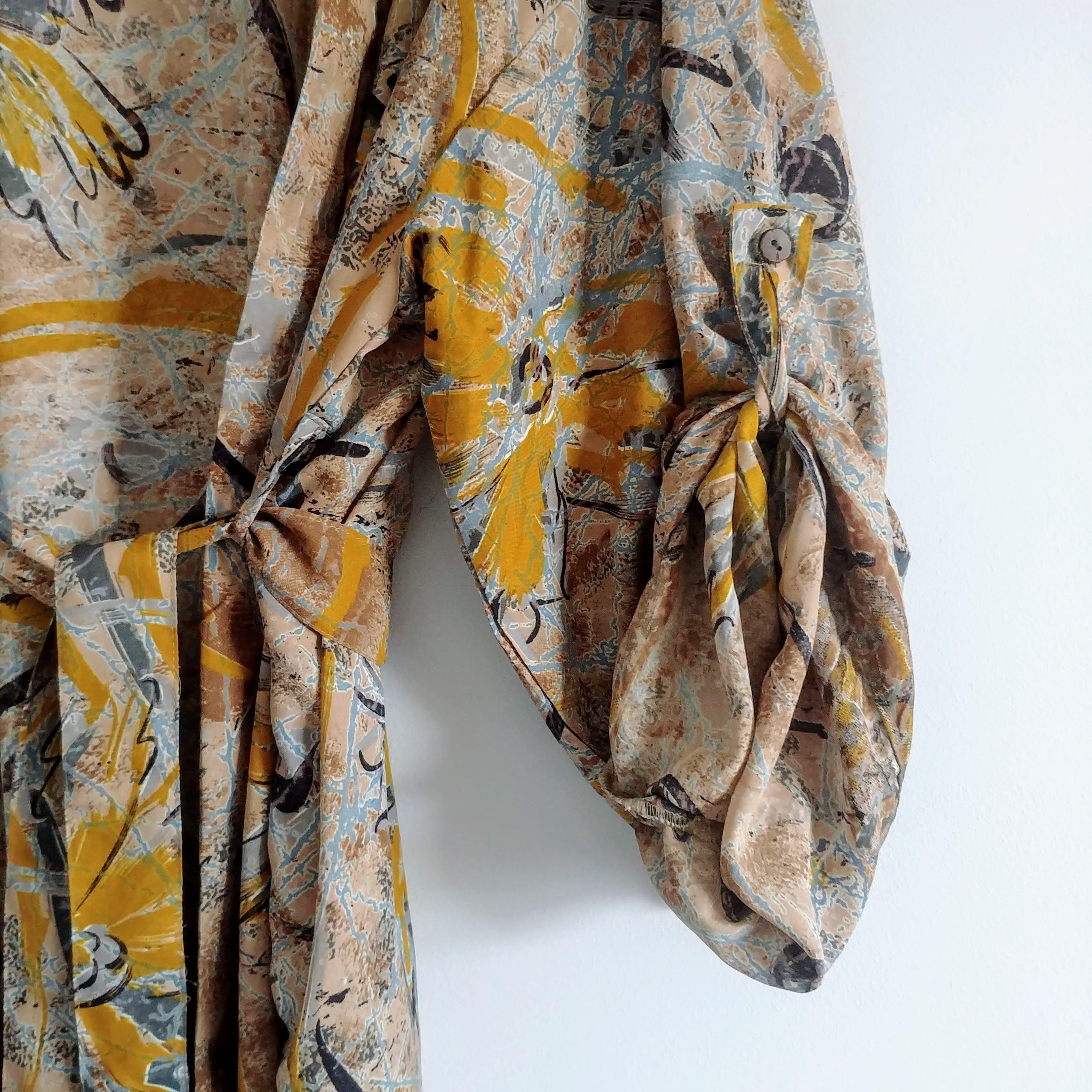 The Kimono Company - Short Kimono, Abstract Flowers