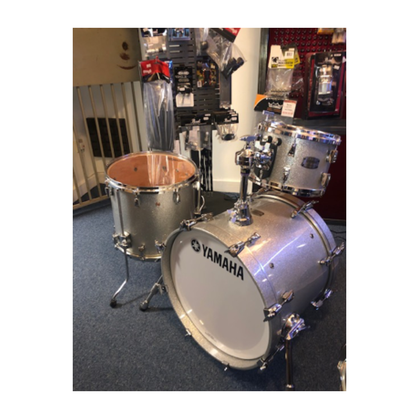 Yamaha Absolute Hybrid Maple 3 Piece Jazz Kit Silver Sparkle (Ex Demo)