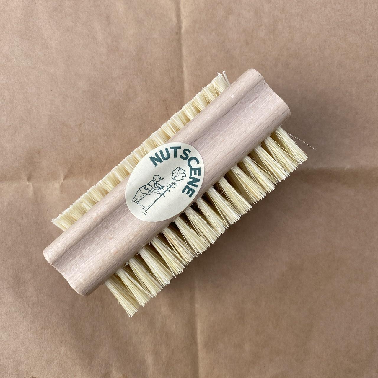 Natural Dual-Sided Nail Brush (Compostable)