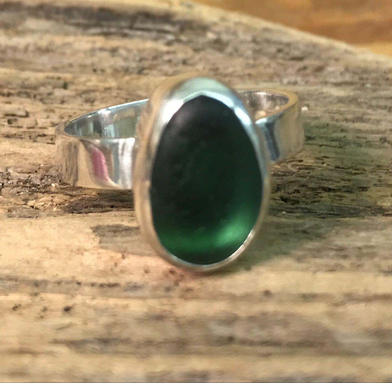 RE195 Eco-silver Sea Glass Ring Seaham Forest Green UK Q