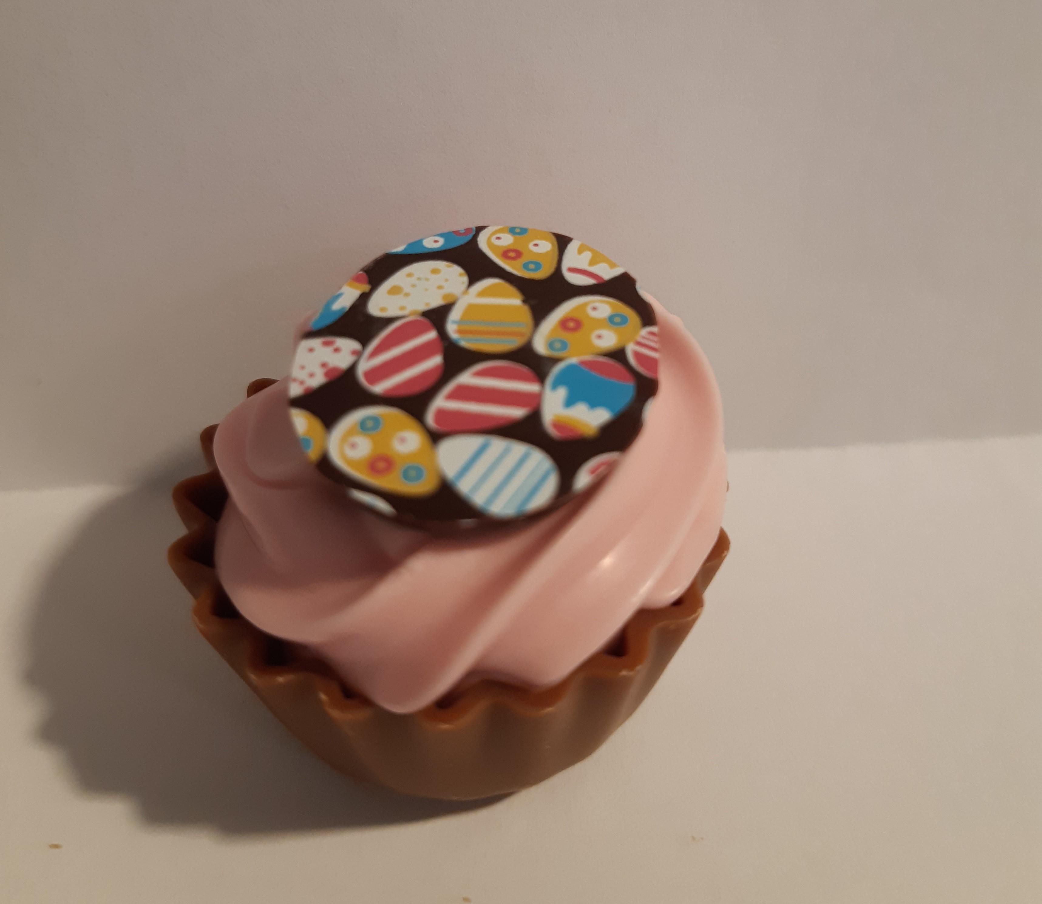 Pääsiäis Cupcake mansikka