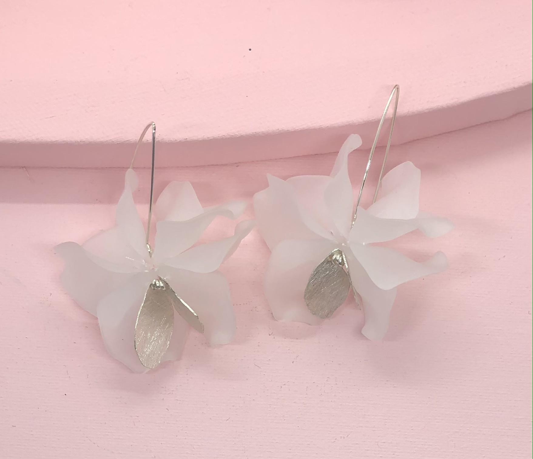 Leaf White