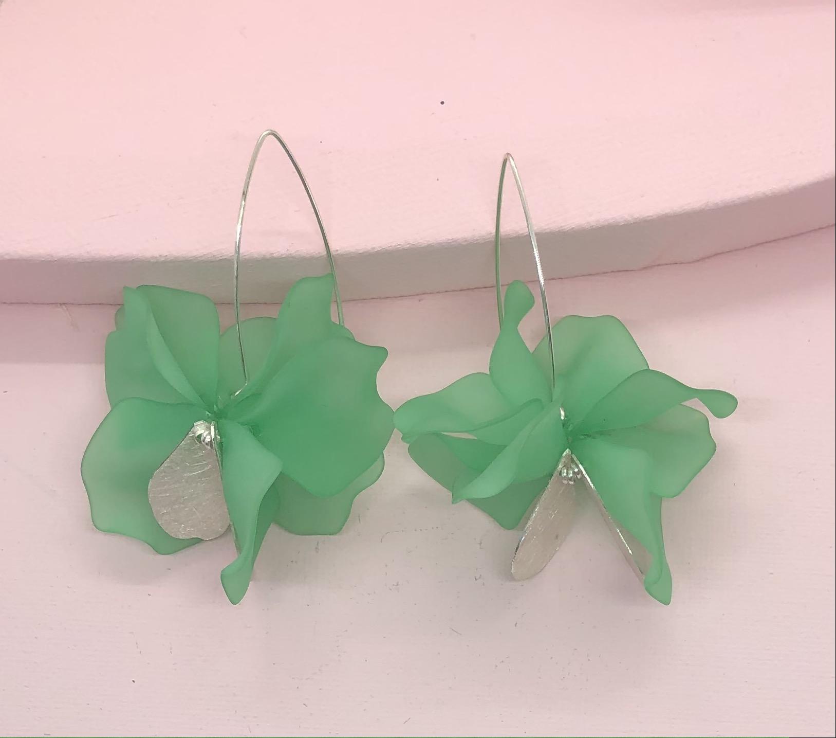 "Leaf ""Green"""