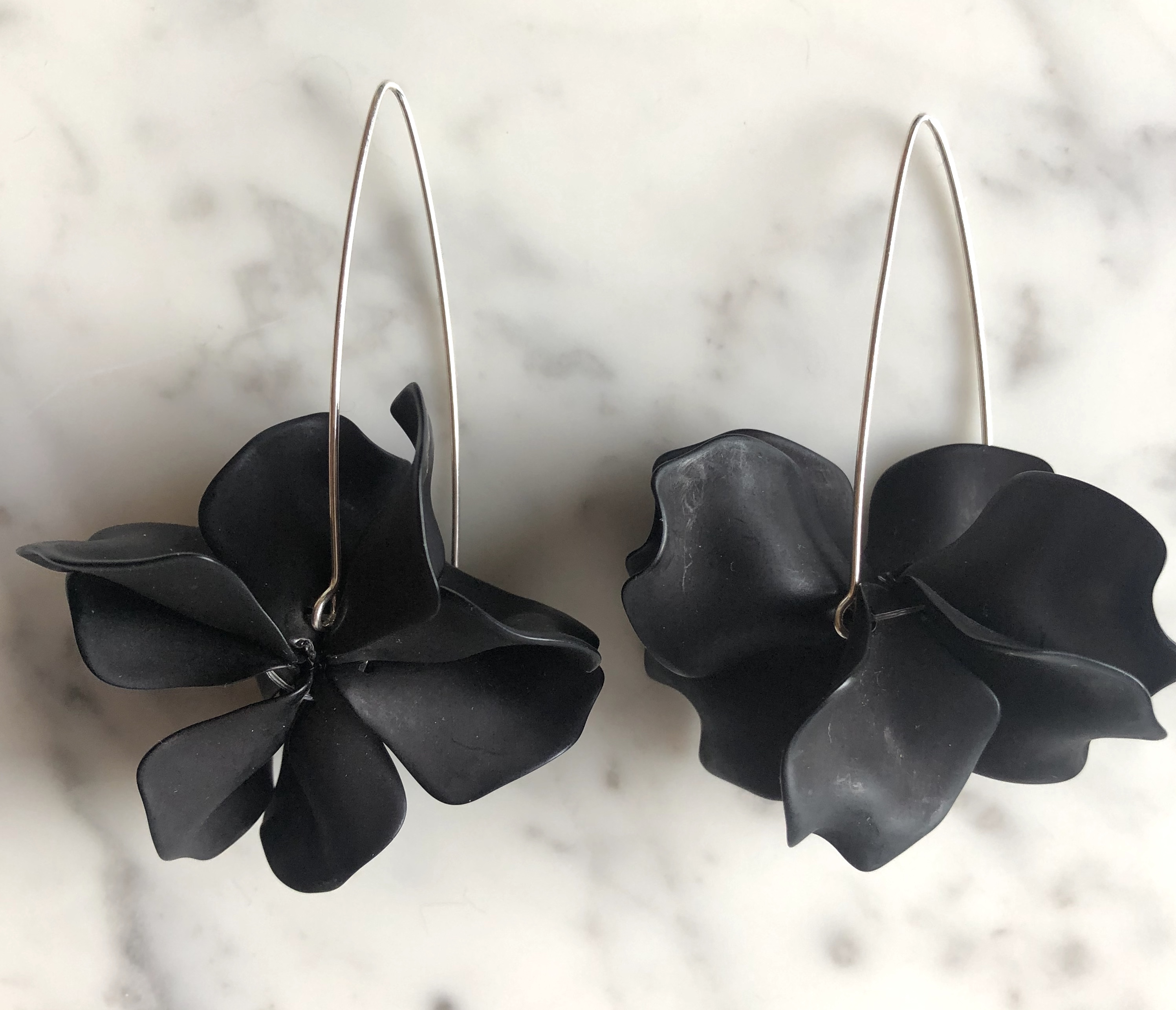 Leaf Black