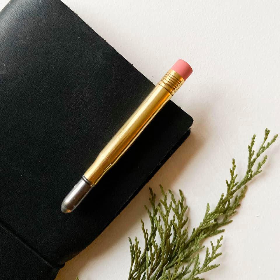 Sammenleggbar penn eller blyant i messing