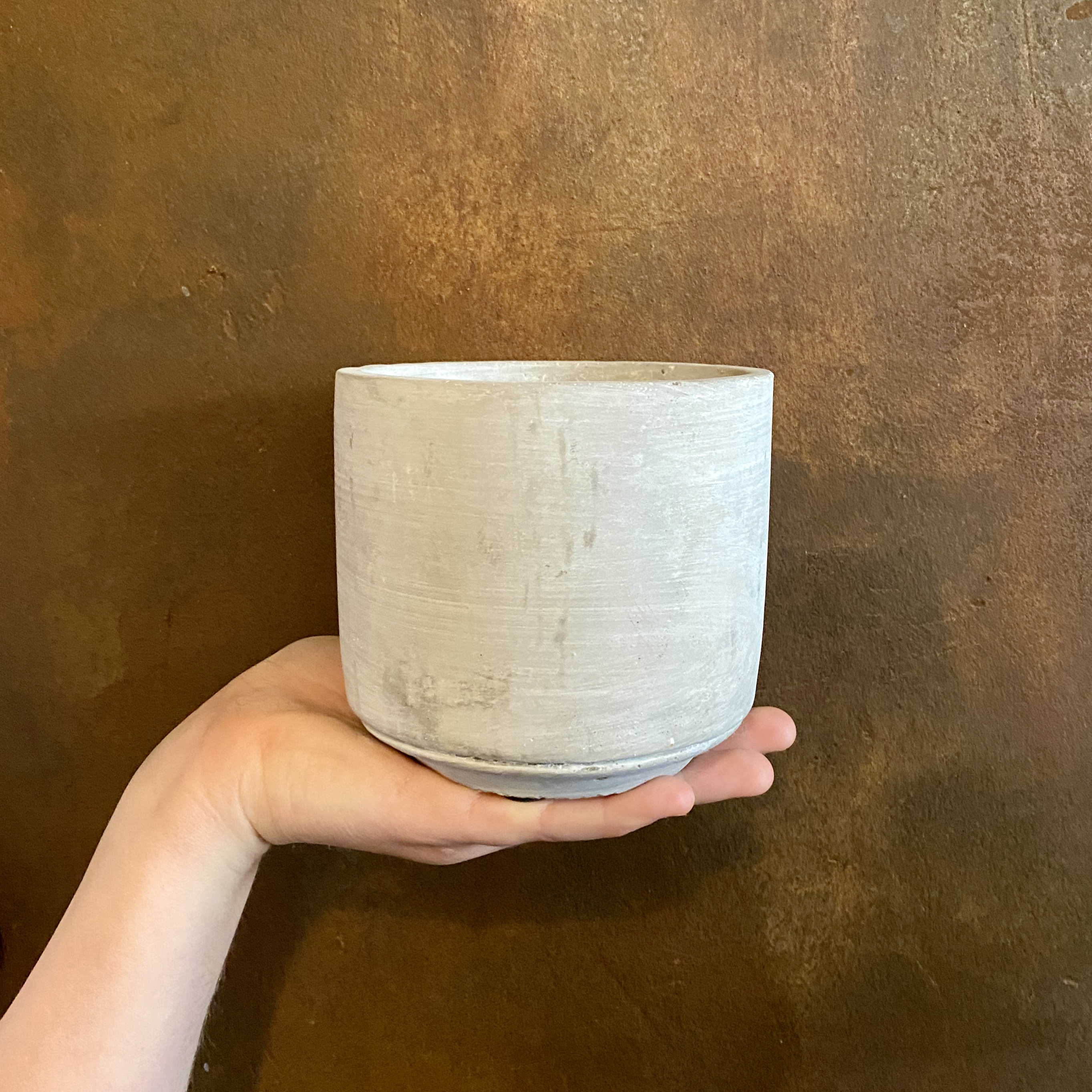 Light Cement Pot
