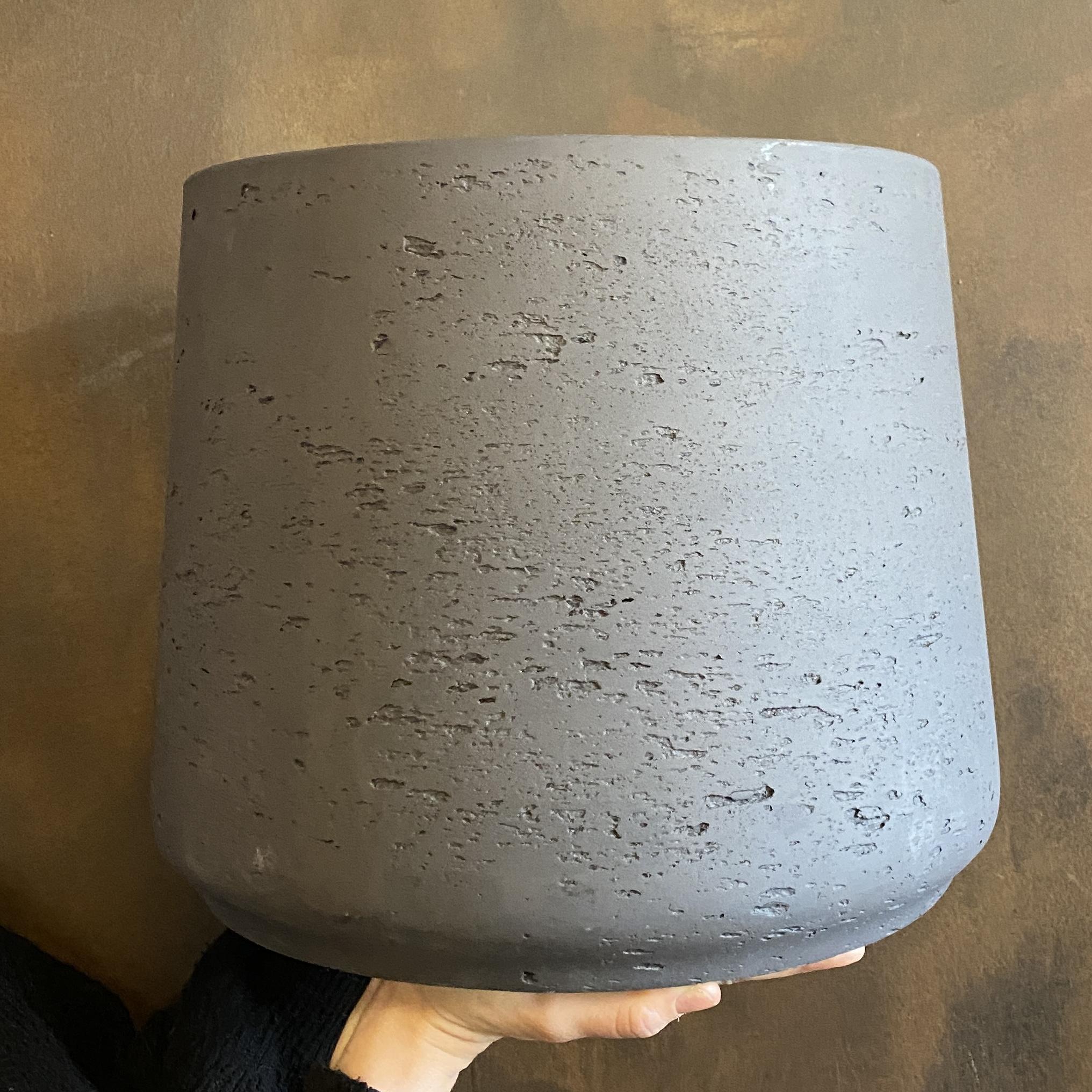 Tapered Fibreclay Pot - Charcoal
