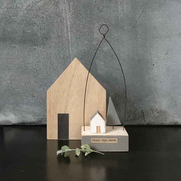 East Of India, Wooden scene-Little house/Bless this house