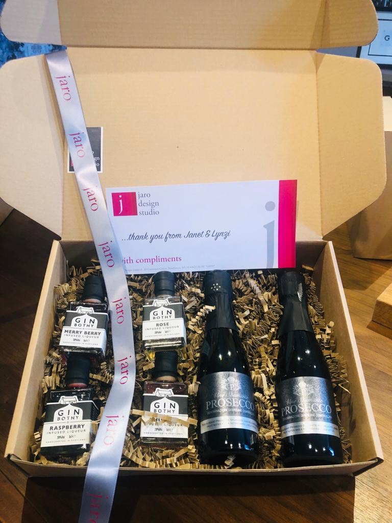 Gin Bothy and Bubbles Gift Box
