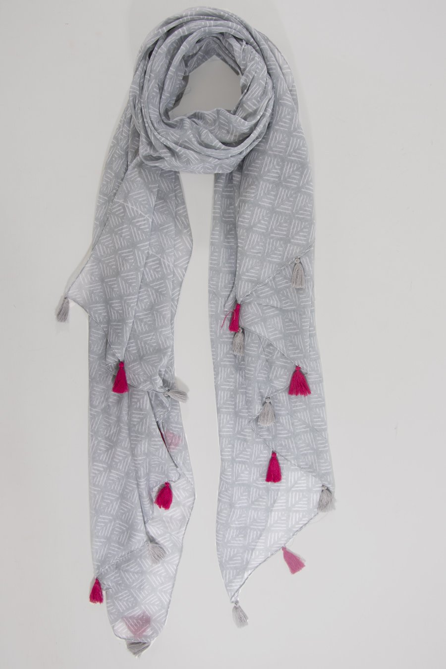 MSH Grey Pink Colour Contrast Tassel Geometric Pattern