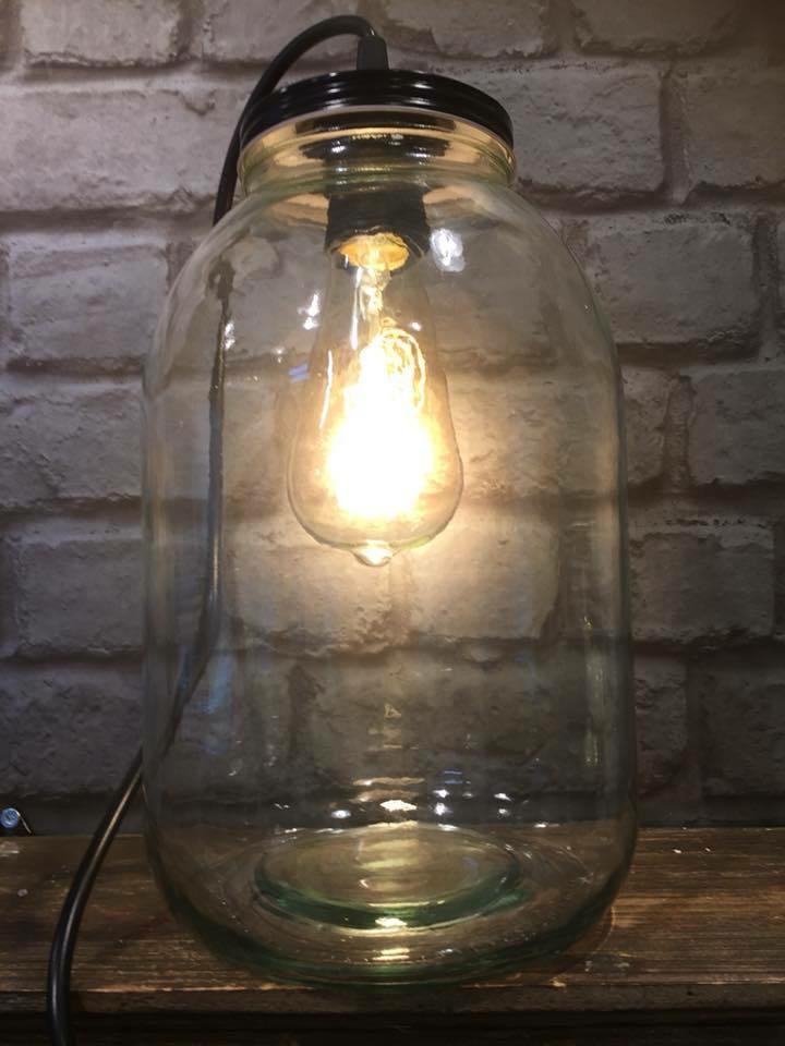 Lasipurkki valaisin