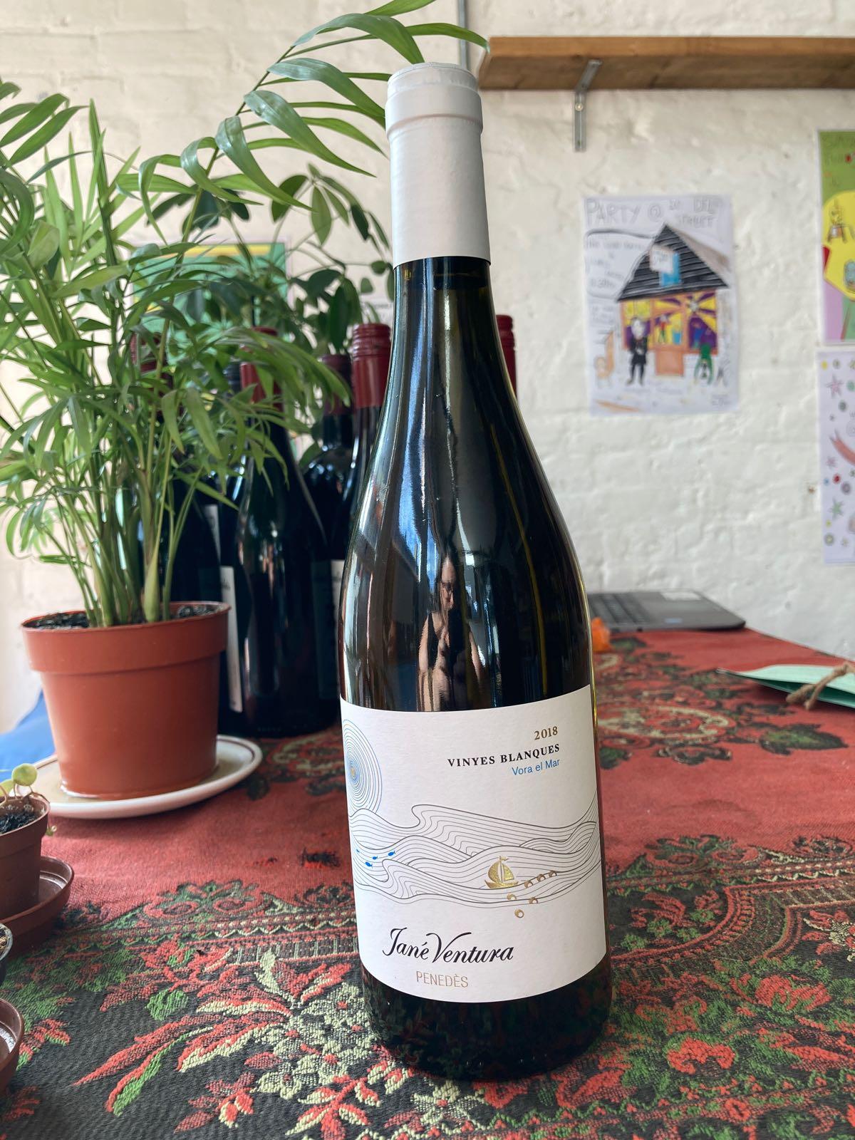 Jané Ventura - Vora el Mar, Vinyes Blanques (12.5%) (Catalunya, Spain)