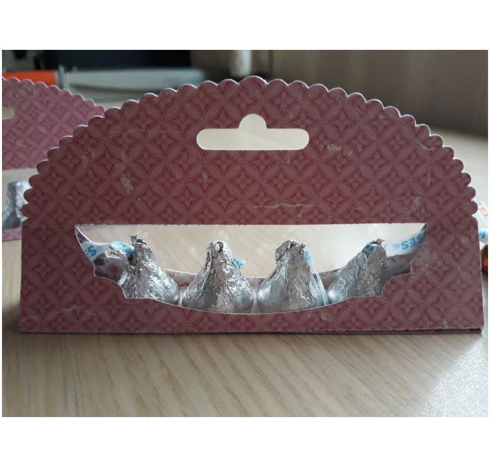 Nicole - Hershey Kisses Present Box Metal Cutting Die